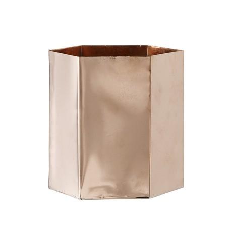 Pot de fleurs en métal cuivré