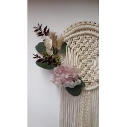 Couronne ornementale (fleurs séchées et macramé)